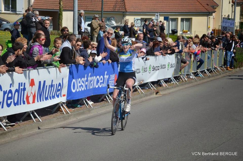 Elle vient d'Annemasse et elle a remporté la 1ere manche de la coupe de France à Sées Voici le classementshttp://www.echoduvelo.com/Sees-61-Coupe-de-France-Feminines,17671.html