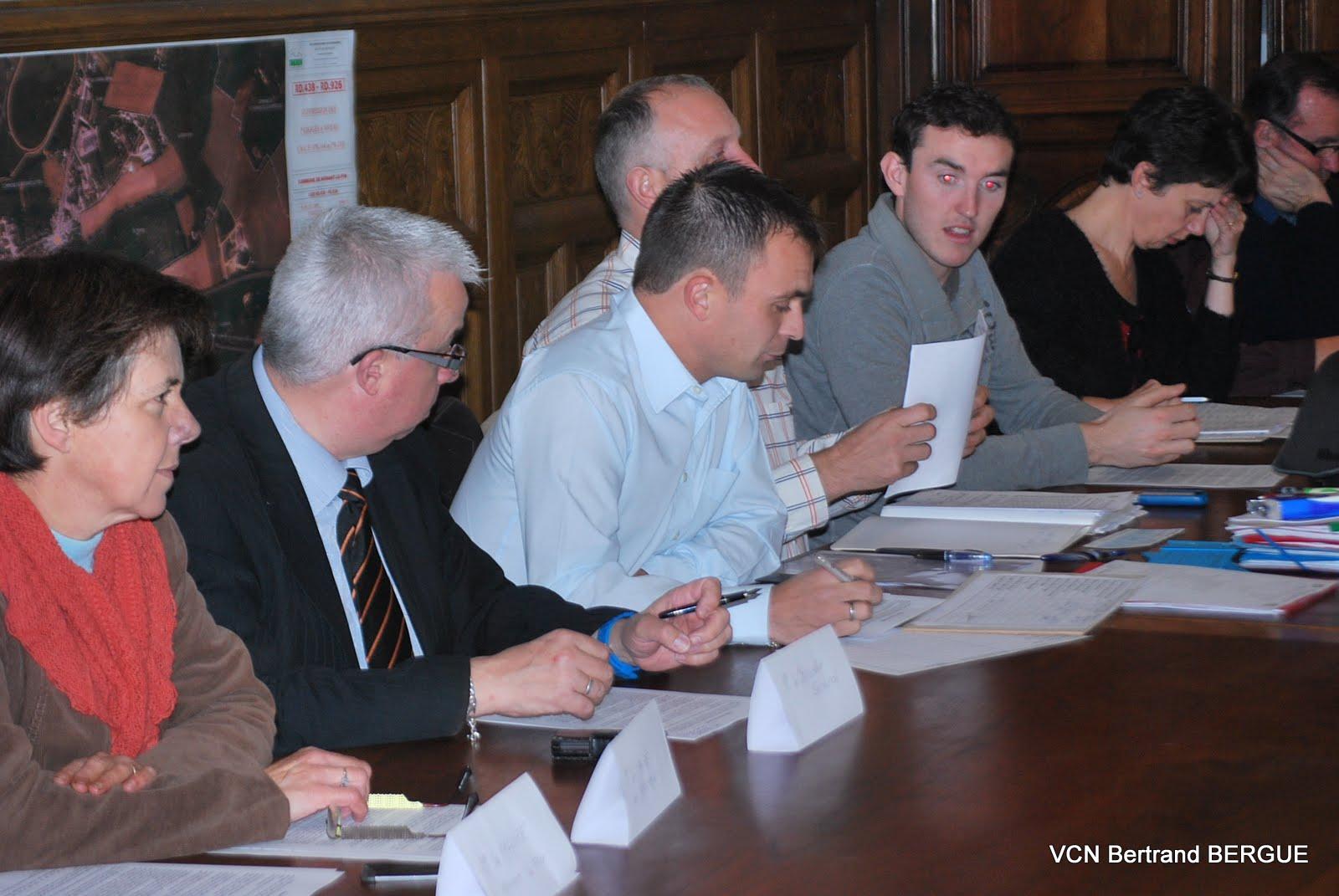 L'assemblé générale s'est dérouléé le Vendredi 09 Novembre 2012 à la mairie de Nonant-Le-Pin. Le président, Anthony Léveillé a présenté son rapport morale devant les élus, le président du comité...