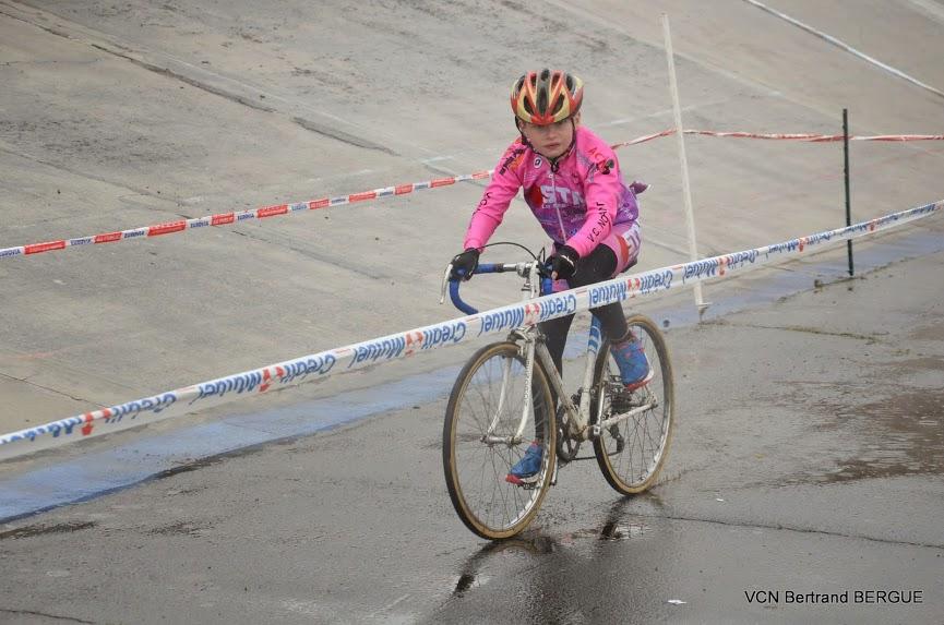 L ' union cycliste Alençon – Damigny a organisé Samedi 2 Mai une épreuve sur le vélodrome avec chrono et cyclo cross.