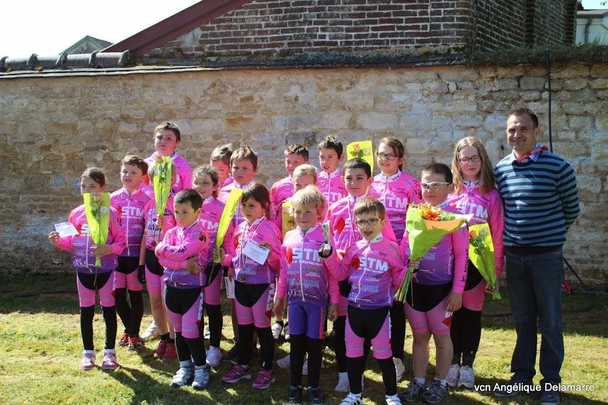 A 9h30 pour lancer la première manche de la Coupe de France. Le VCN a voulu mettre l'école de cyclisme à la fête du cyclisme. Voici le classement : PRE-LICENCIE...