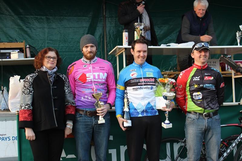 Ouverture de la saison en FSGT, Nicolas termine 10 ème de la course et fini 2 éme de sa catégorie.