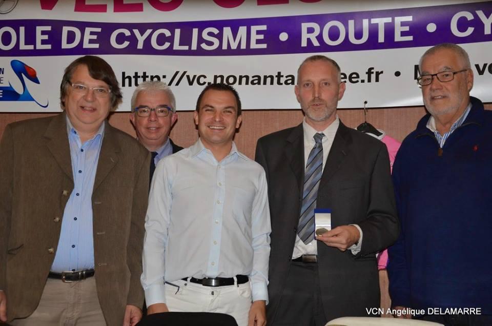 Le comité de l'Orne a récompensé deux dirigeants. Le président LEVEILLE Anthony a reçu la médaille d'Argent de la Fédération Française de Cyclisme.       ...